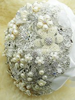 Pearl Jewelled Brooch Bouquet~NEW!