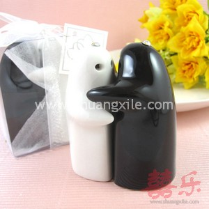 Black & White Salt and Pepper Shakers